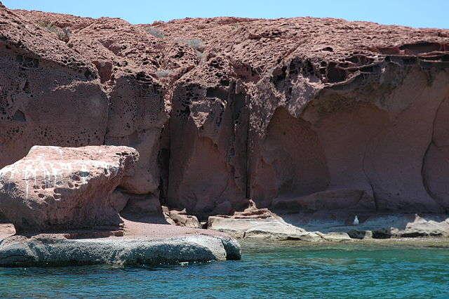 sea of cortez red cliffs